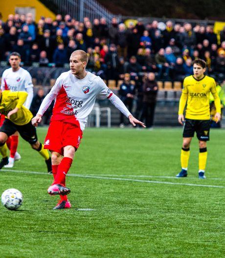 Pover FC Utrecht komt dankzij dubbele strafschop weg met een punt in Venlo