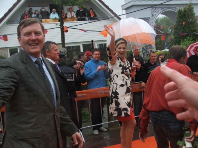 Regenachtige Koninginnedag in Wemeldinge, 2010.