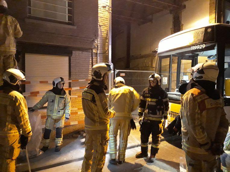 BORNEM - De brandweer moest ter plaatse komen om de gevel preventief te stutten
