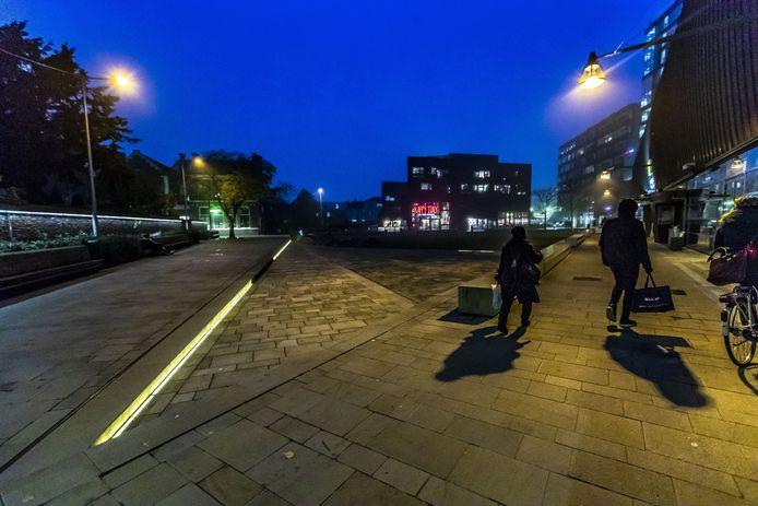Reportage over drugshandel en en overlast op het Wilminkplein.