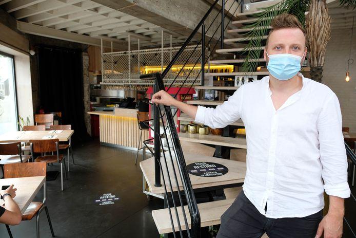 Ruben Van Rompaey in het hamburgerrestaurant Hamburg.
