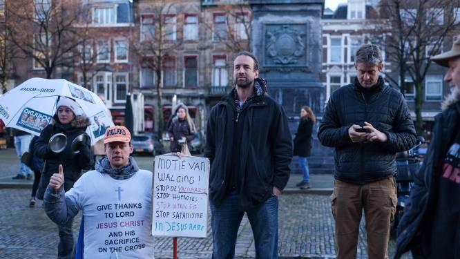 Viruswaarheid maakt lawaai in Den Haag: protest met potten en pannen, een persoon aangehouden