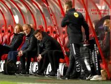Boze PEC-fans wachten spelersbus op en eisen ontslag trainer John Stegeman, clubvoorzitter: 'dit keur ik af'
