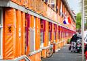 De Haagse Marktweg in de wijk Transvaal kleurt oranje in aanloop naar het EK.