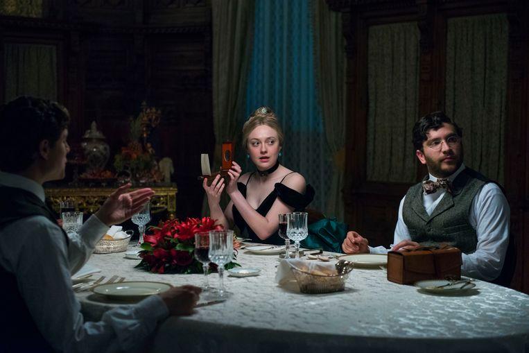 Dakota Fanning in 'The Alienist'. Beeld RV Kata Vermes