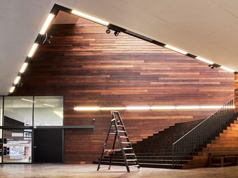 Het Modemuseum Antwerpen (MoMu) heeft de deuren gesloten tot 2020, voor renovatie- en uitbreidingswerken. Beeld RV