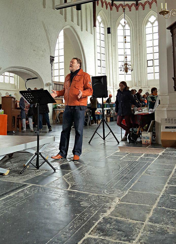 Peter Reinders tijdens Open Podium in Geerteskerk Kloetinge.