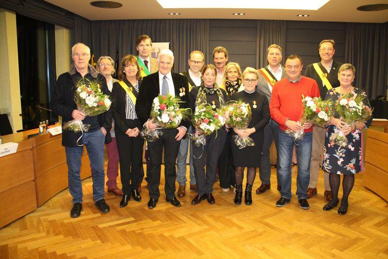 Frans Duyck, Roland Florizoone, Marleen Rabaey, Nadia Gerry, Manu Rossey en Simonne Blanckaert kregen de eretitel als OCMW- en gemeenteraadslid van De Panne