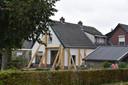 Een gestut huis in Daarlerveen. Door dit beeld zag Dirk Fuite gelijk de parallellen met de schades in Groningen.