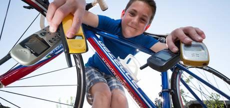Mijlpaal voor Jesse: 25.000ste mobieltje voor Stichting Opkikker