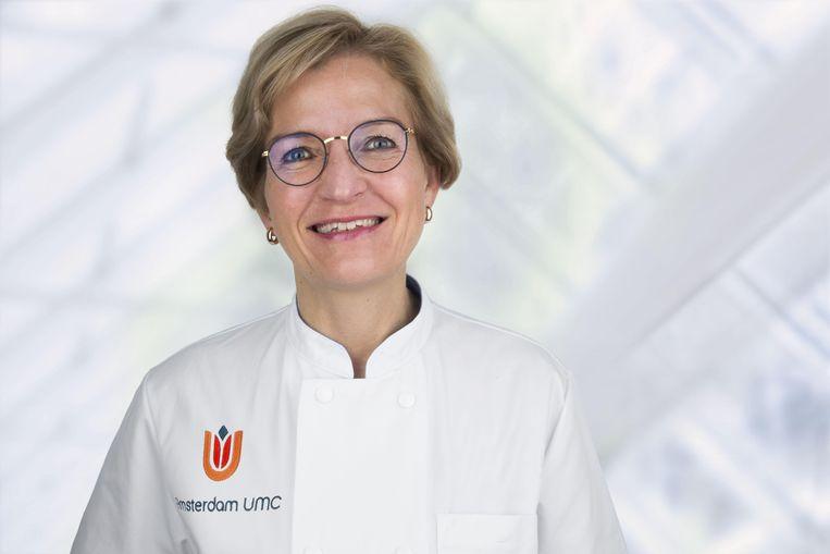 Hoogleraar Noortje Swart. Zij is hoofd ziekenhuisapotheek in het Amsterdam UMC en voorzitter van de werkgroep van ziekenhuisapothekers die per ROAZ-regio (Regionaal Overleg Acute Zorgketen) de vaccins verdeelt over de ziekenhuizen. Beeld Anita Edridge/UMCA