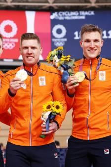 Baanrenners euforisch na eerste olympisch goud in 85 jaar: 'Niet normaal man, zo mooi!'