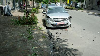Motorrijder zwaargewond bij crash met wagen in Schaarbeek: automobilist test positief op drugs