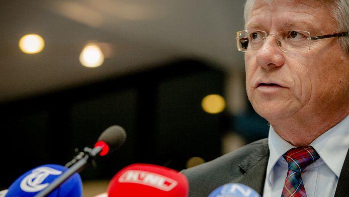 Burgemeester John Berends van Apeldoorn stelt dat Volkert van der Graaf zich wel aan de regels weet te houden.