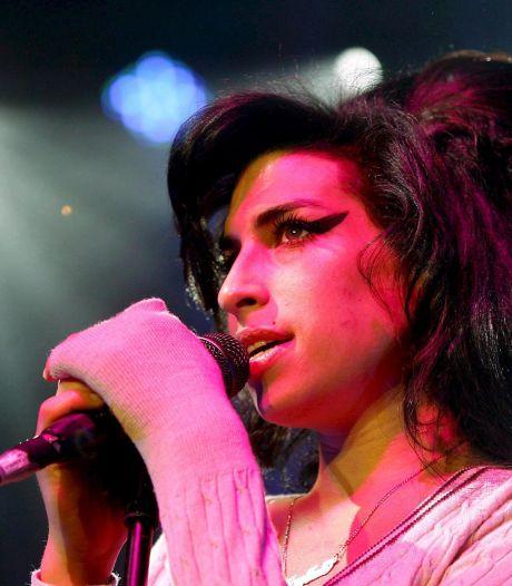 La garde-robe et les objets personnels d'Amy Winehouse mis aux enchères
