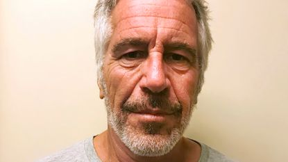 Half Amerika vindt dat er een luchtje zit aan de dood van multimiljonair Epstein
