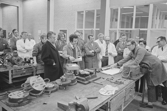 Kunststoffenfabriek Van Niftrik in Putte in betere tijden, anno 1972. Het huidige moederbedrijf Polytec sluit de vestiging in de loop van 2020. Zo verliezen 190 medewerkers hun baan.