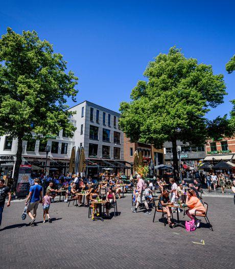 'We moeten voorkomen dat we straks voor altijd lege horecapleinen hebben in Enschede omdat de ondernemers op de fles zijn'