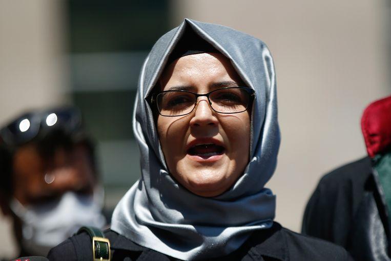 Hatice Cengiz, de verloofde van de vermoorde Saoedische columnist Jamal Khashoggi, was een van de doelwitten van de spionagesoftware van de NSO Group. Beeld AP