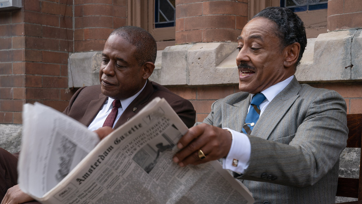 Forest Whitaker en Giancarlo Esposito in 'Godfather of Harlem'. Beeld -