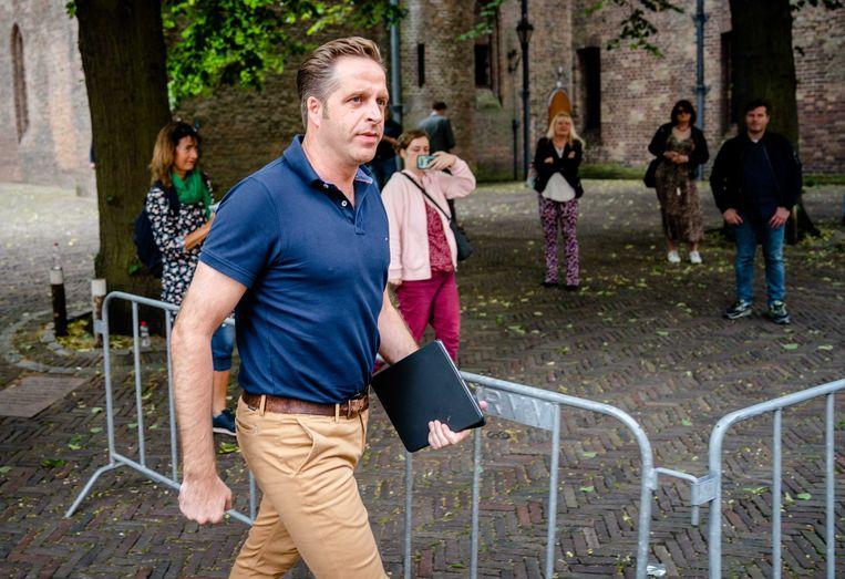 Demissionair minister Hugo de Jonge van Volksgezondheid, Welzijn en Sport (CDA) bij aankomst op het Binnenhof voor de ministerraad.  Beeld  Bart Maat / ANP