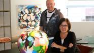 """Kunstenaar Pim Smit gebruikt interieurzaak als galerij: """"Perfecte match met exclusieve merken van Loncin"""""""