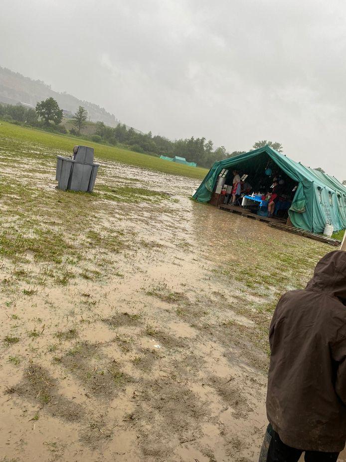 Het kamp van de Scouts & Gidsen Heuvel in Kalmthout staat onder water.