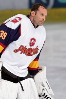 Heldenrol voor Petr Cech bij debuut als ijshockeykeeper
