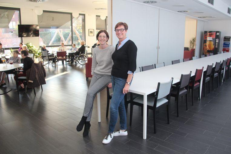 WZC-directeur Tina Van Laere en OCMW-voorzitter Geertrui Van De Velde verwelkomen vanaf volgend jaar tweemaal per maand inwoners in het 'dorpsrestaurant' in WZC Markizaat in Lede.