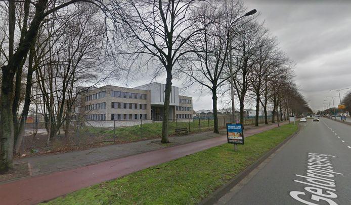 Geldropseweg in Eindhoven met het Augustinianum.