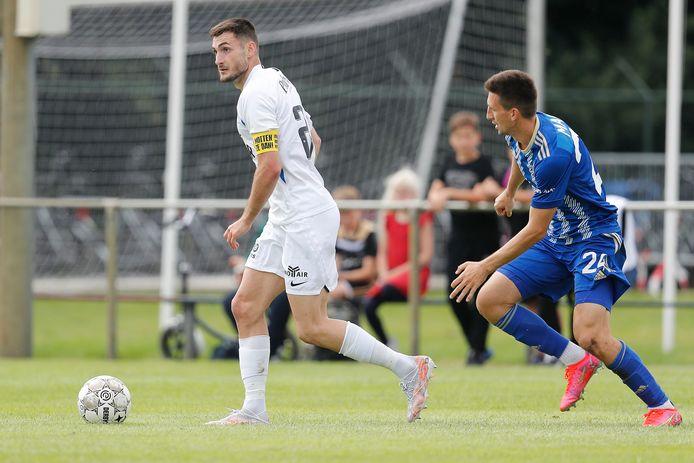 Matus Bero in actie tegen Lokomotiva Zagreb