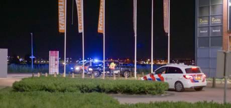 Politie beëindigt twee keer dezelfde illegale auto-meeting, eerst in Harderwijk daarna in Lelystad