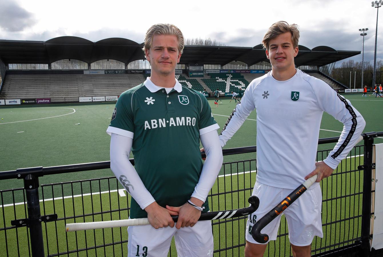 Hockey Club Rotterdam-spelers Jochem (l) en Justen Blok.