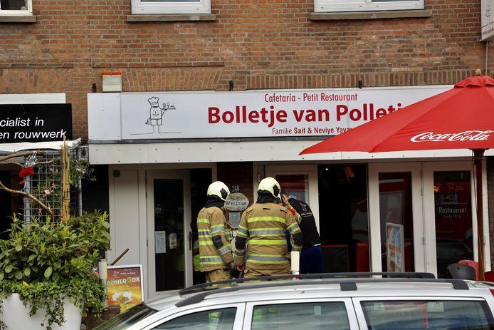 Bij snackbar Bolletje van Polletje in Amersfoort is woensdagmiddag brand ontstaan.