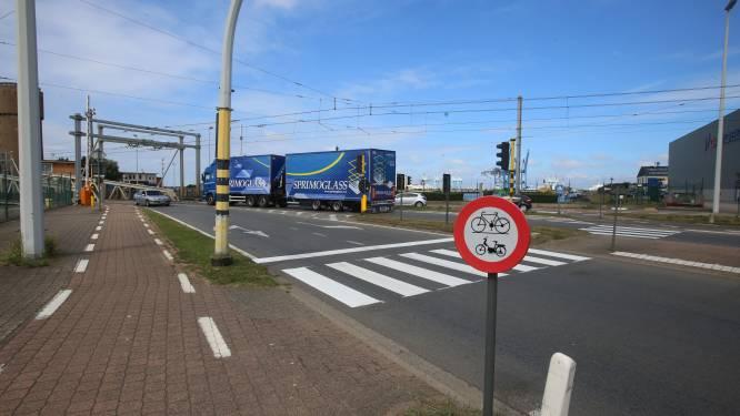 """Miljardenproject voor nieuwe zeesluis in Zeebrugge loopt al meteen vertraging op: """"Maar de realisatie op deze locatie blijft topprioriteit"""""""