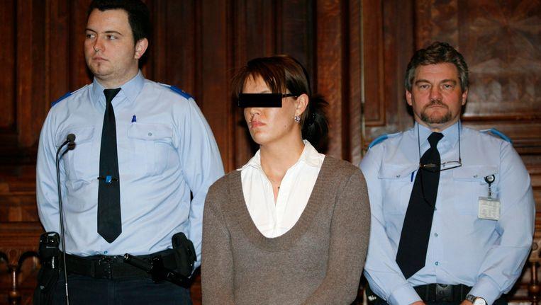 Carolien Van Looy stak in 2007 haar liefdesrivale Priscilla Nuyts neer in een café in Turnhout. Priscilla overleefde de steekpartij niet.