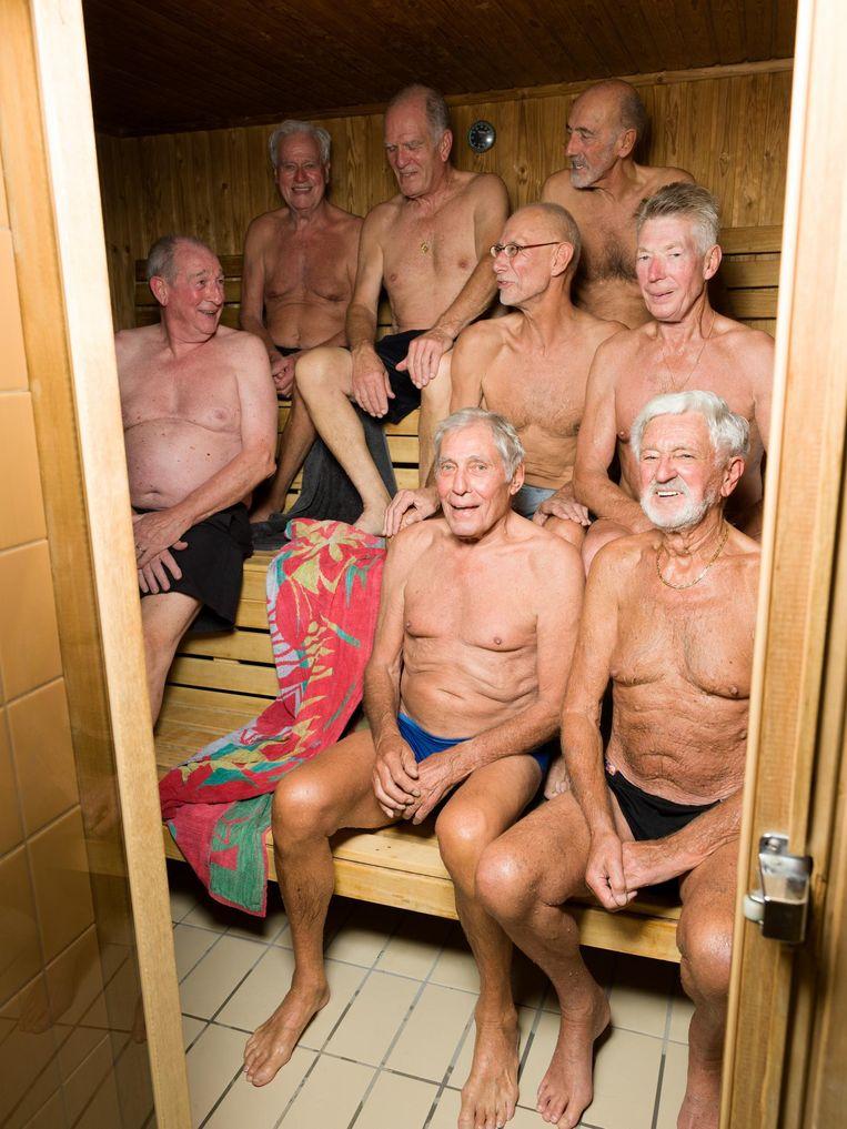 Geheel links: Cor van Schie (70). Linksboven Theo Laagkemper (86), Lex Wemer (77) en Ger Bastiaans (78), daaronder Noud Uijtenhaak (66) en Gerrit Gooijer (73), daaronder Joop Buné (84) en Louis Jansen (85) Beeld Ivo van der Bent