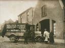 Transportbedrijf  H. v.d. Biezenbos & Zonen voerde een dagelijkse autodienst uit naar Utrecht. Voor de garage aan de Grote Haag staan, in 1921, Hendrik van de Biezenbos met zijn echtgenote en kleindochter, met op de achtergrond hun schoondochter. Later verhuisde het bedrijf naar de Zuidsingel onder de naam Kees van de Biezebos. In 1965 is het bedrijf opgegaan in de Amersfoortse Vervoercentrale en vervolgens ondergebracht bij Centropa.