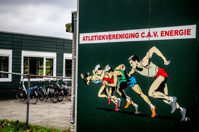 Het exterieur van atletiekvereniging C.A.V. Energie uit Barendrecht waar Jerry M. slachtoffers zou hebben gemaakt.