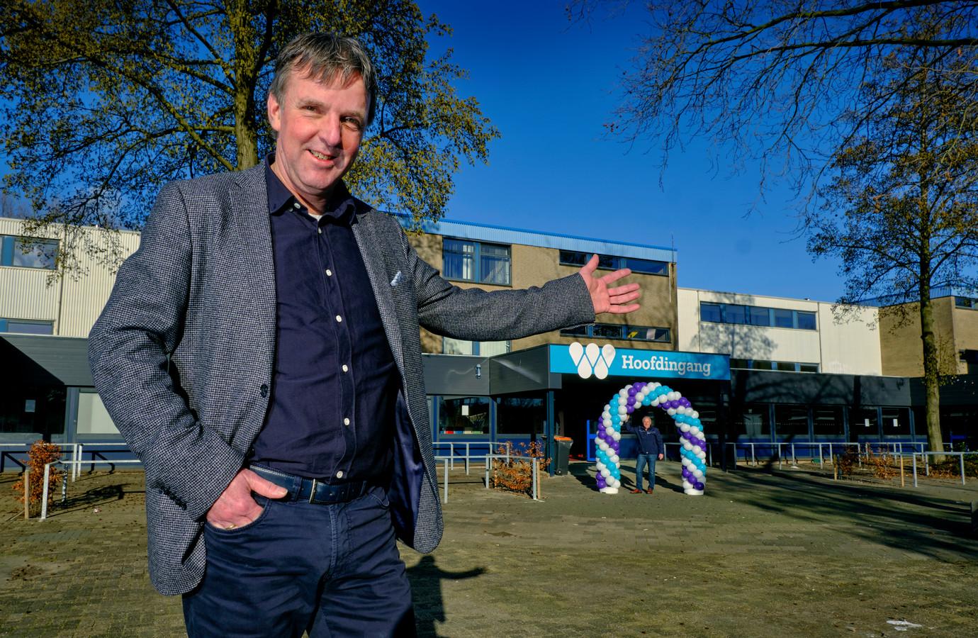 Schooldirecteur Aat van Genderen kijkt uit naar het ontvangst van de leerlingen van het Willem de Zwijger College.
