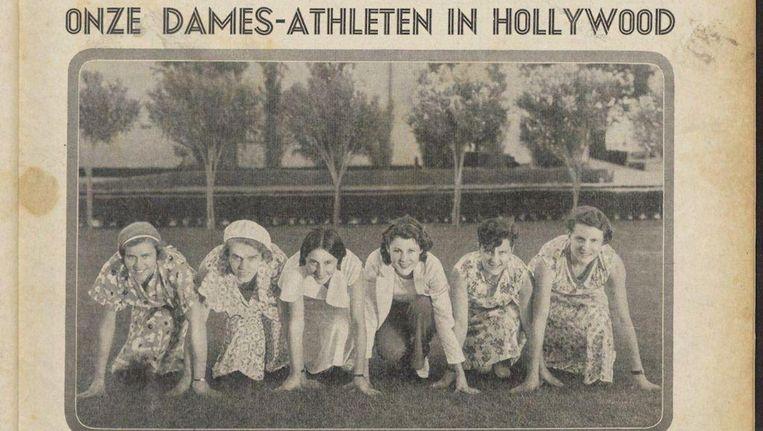 De Nederlandse dames in Los Angeles met Miep Klaver helemaal links en in het midden de Amerikaanse filmster Frances Dee, vroeger zelf wereldkampioene sprint. Beeld De Revue der Sporten