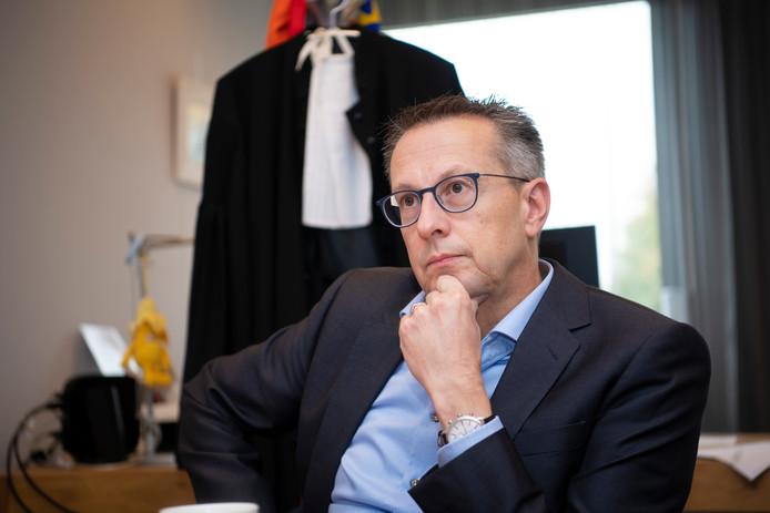 Curator Bert Jansen.