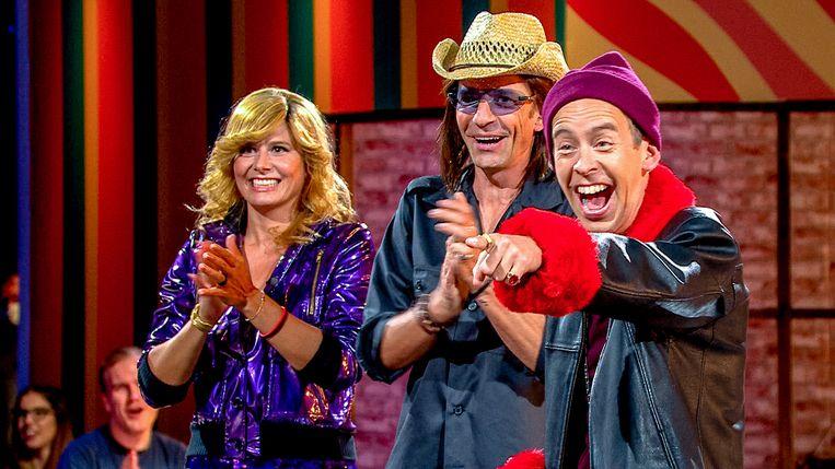 Nathalie Meskens, Koen Wauters en Jonas Van Geel in 'Wat een jaar' Beeld VTM