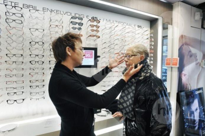 Brillenketen Eyelove uit Nieuwkuijk verwacht dit jaar 200.000 brillen te verkopen.