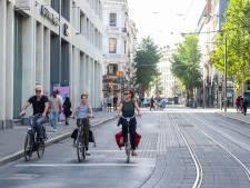 Koning auto maakt plaats voor fietsers en voetgangers tijdens Antwerpen Shift