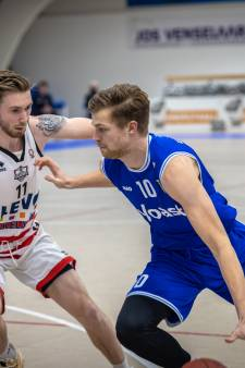 Daverende stunt Yoast United, Gelderse neo-profs naar halve finale basketbalbeker