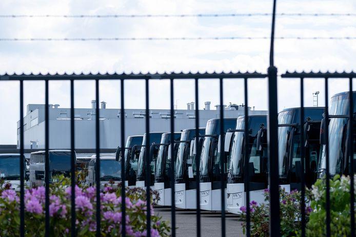 Busbouwer Van Hool in Koningshooikt drijft vanaf deze week de productie weer stilaan op.