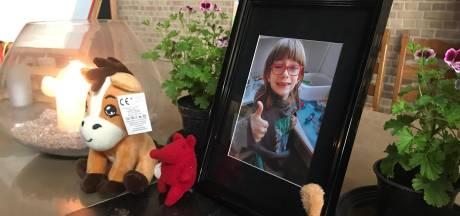 Le lundi, il était signalé malade, le jeudi il était mort: Angelus, 8 ans, est décédé d'une overdose présumée, sa mère arrêtée
