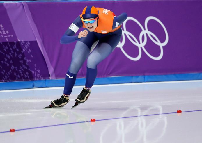 Lotte van Beek in actie