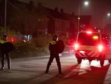 Vuurwerk, verkleedkleren en heel veel politie: hoe de zaterdagavond op Urk opnieuw ontspoort